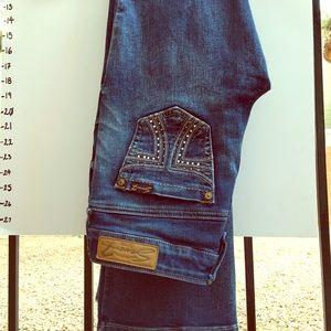 Seven jeans size 4 boot cut. NWOT. Beautiful
